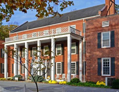 The Country Inn of Berkeley Springs Cover Picture