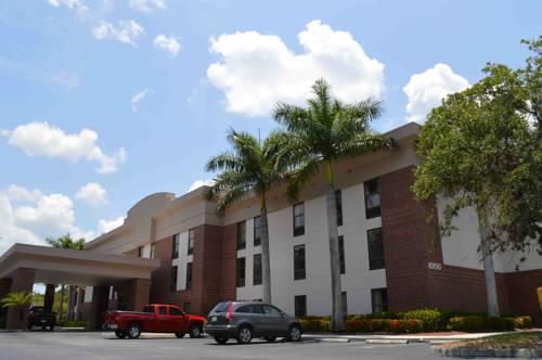 Days Inn & Suites near Jet Blue Park Cover Picture