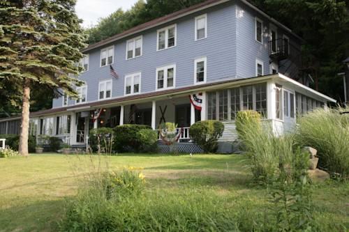 Inn at Starlight Lake & Restaurant Cover Picture