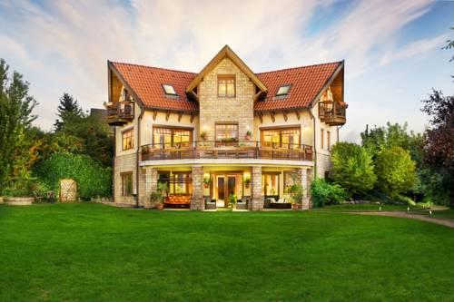 Dream Homes Private Villa Cover Picture