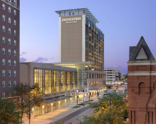 DoubleTree by Hilton Hotel Cedar Rapids Convention Complex Cover Picture