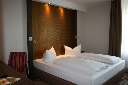 HOTEL PARQÉO im A66 Cover Picture