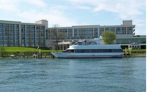 Radisson Hotel Niagara Falls-Grand Island Cover Picture
