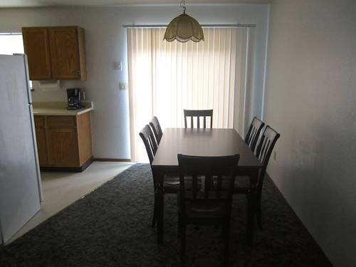 Holly Court Moses Lake Cover Picture