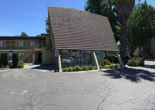 Discovery Inn Cover Picture