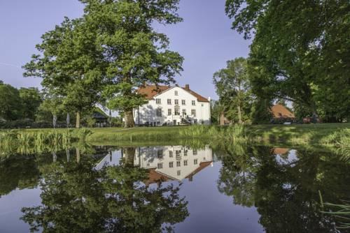 Hotel & Gästehaus Gut Kaden Cover Picture