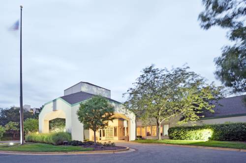 La Quinta Inn & Suites Overland Park Cover Picture