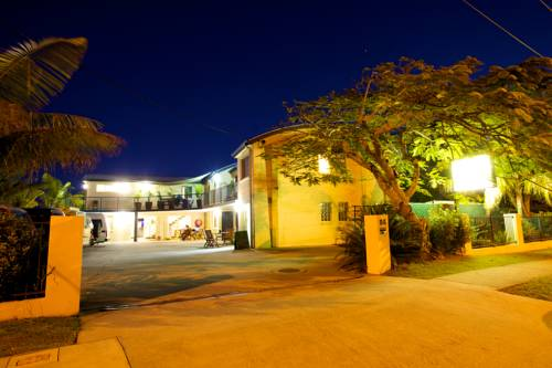 Caloundra Backpackers Cover Picture