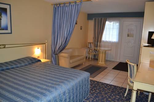 Hôtel Du Manoir Cover Picture