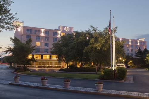 DoubleTree Club by Hilton Hotel Boston Bayside Cover Picture