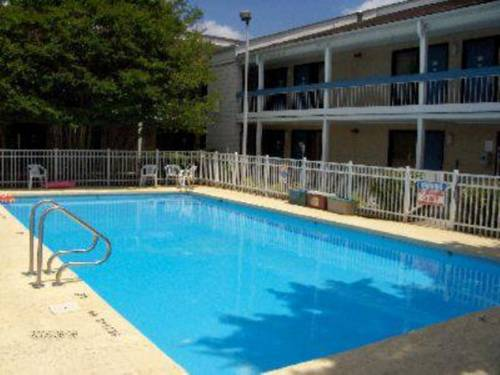 Brookwood Inn - Statesville Cover Picture
