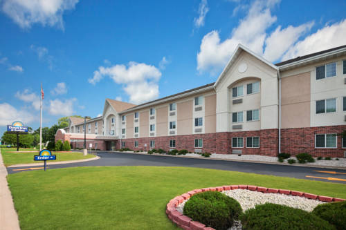 Days Inn and Suites Green Bay Cover Picture