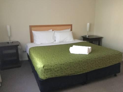 Villa Nova Motel Cover Picture