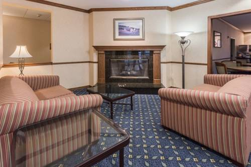 Baymont Inn and Suites Waterford/Burlington Cover Picture