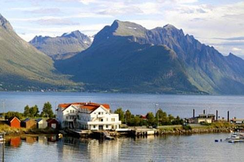 Sunde Fjord Hotel Cover Picture