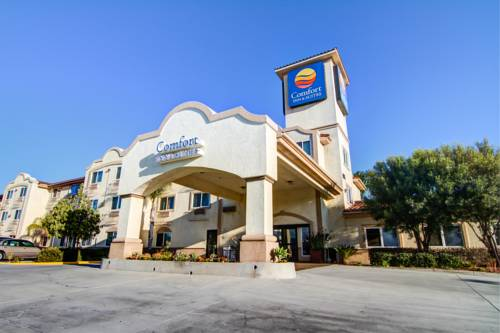 Comfort Inn & Suites Near Temecula Wine Country Cover Picture