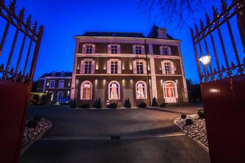La Maison Rouge Qualys Hotel Cover Picture