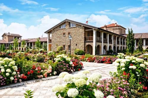 Chervò Residence San Vigilio Cover Picture