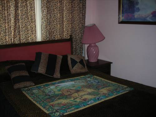Deer trail Motel Cover Picture