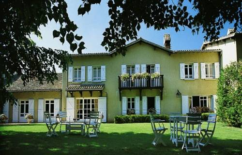 Hostellerie La Huchette Cover Picture