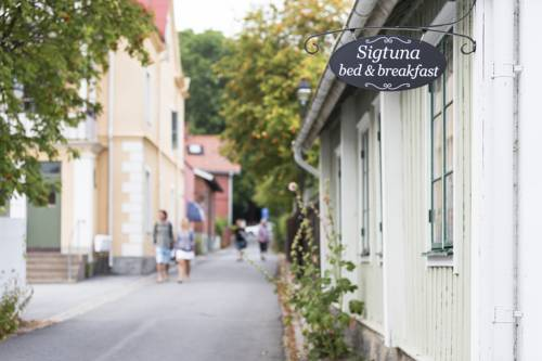 Sigtuna Bed and Breakfast Cover Picture
