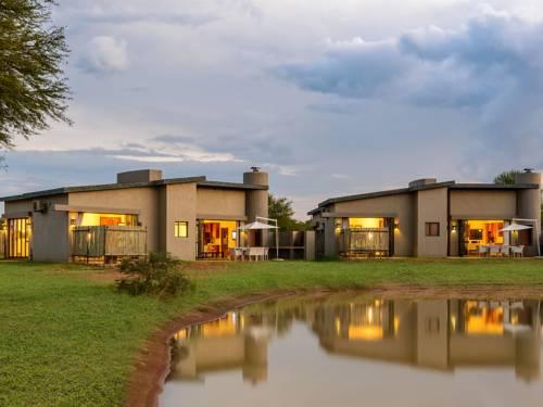 Monomotapa Village @ Legend Golf and Safari Resort Cover Picture