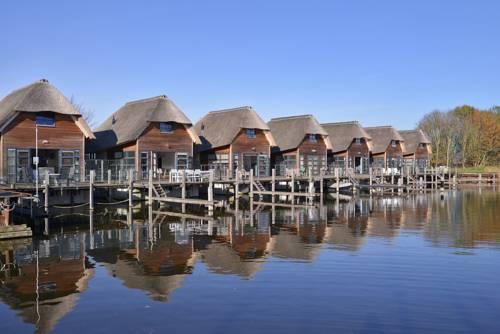 Nautic Rentals - Watervilla's Zuiderhoeve Cover Picture