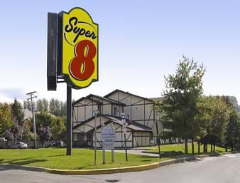 Super 8 Stroudsburg Cover Picture