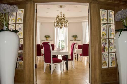 Villa Vera Cover Picture