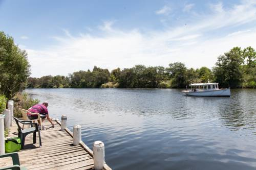 Bairnsdale Riverside Holiday Park Cover Picture