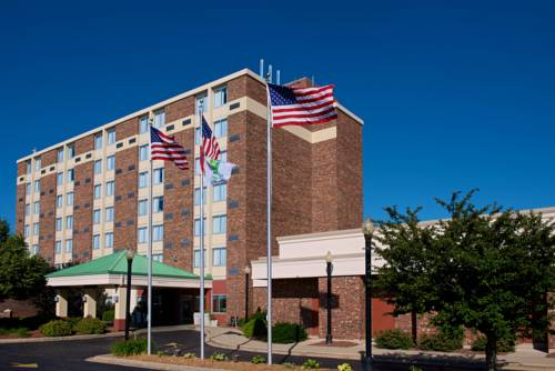 Riverwalk Hotel Downtown Neenah Cover Picture