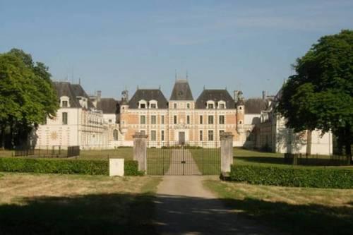 Château De Clermont Cover Picture