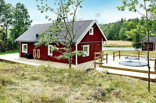 Two-Bedroom Holiday home in Valdemarsvik 4 Cover Picture