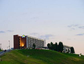 Days Inn & Suites Sutton Flatwoods Cover Picture