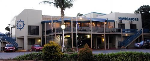 Lincoln Navigators Motel Cover Picture