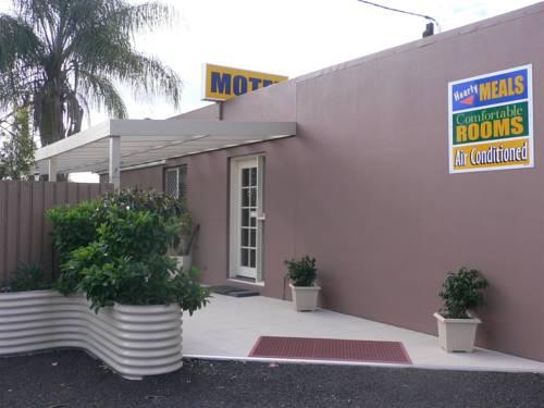 Chinchilla Motel Cover Picture