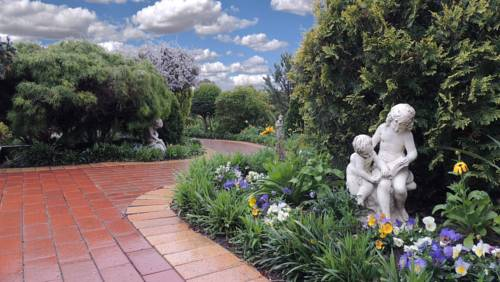 Tranquil Gardens Bairnsdale Cover Picture