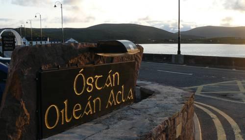 Óstán Oileán Acla Cover Picture