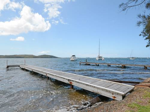 Carey Bay Views on Lake Macquarie Cover Picture