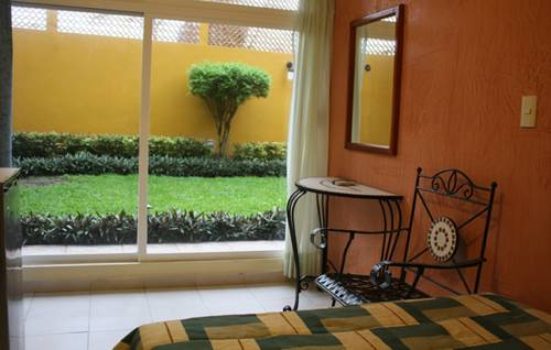 Hotel Quetzalcoatl Cover Picture
