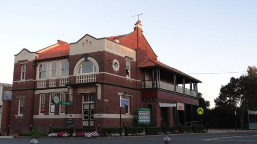 The Bank B&B West Wyalong Cover Picture