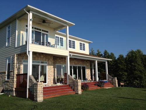 Bluewater Beach House Cover Picture
