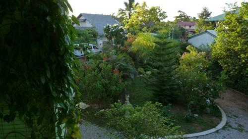 Lodge Takini 4 Cover Picture