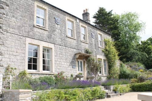 Roundhill Farmhouse Cover Picture