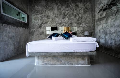 Larena Villa And Resort Cover Picture