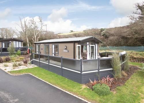 Mullion Cove Lodge Retreat Cover Picture