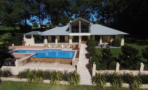 The Ridge Retreat at Mollymook Cover Picture