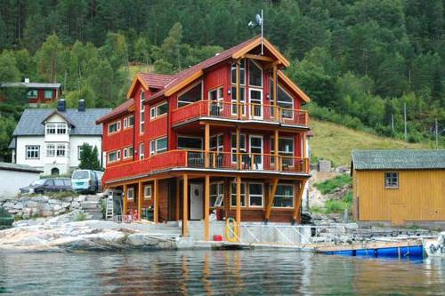Three-Bedroom Holiday home in Todalen Cover Picture