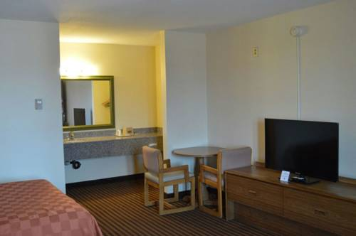 Scottish Inn & Suites Cover Picture