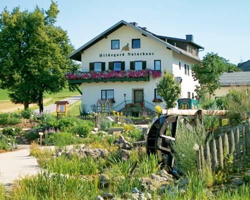 Hildegard Naturhaus Cover Picture